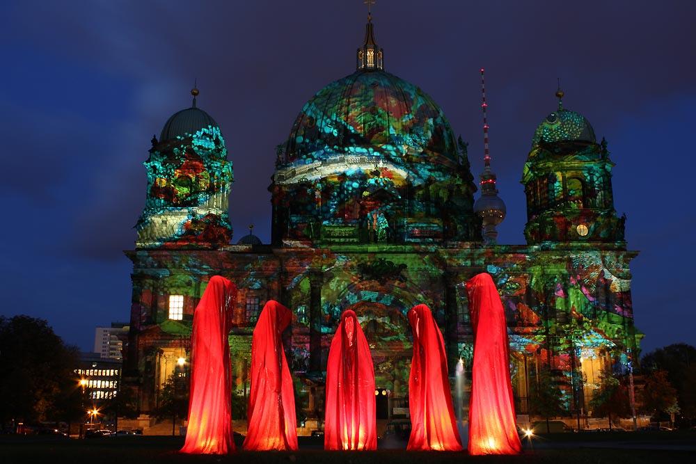 Festival of Lights - Berliner Dom - Die Waechter der Zeit von Manfred Kielnhofer